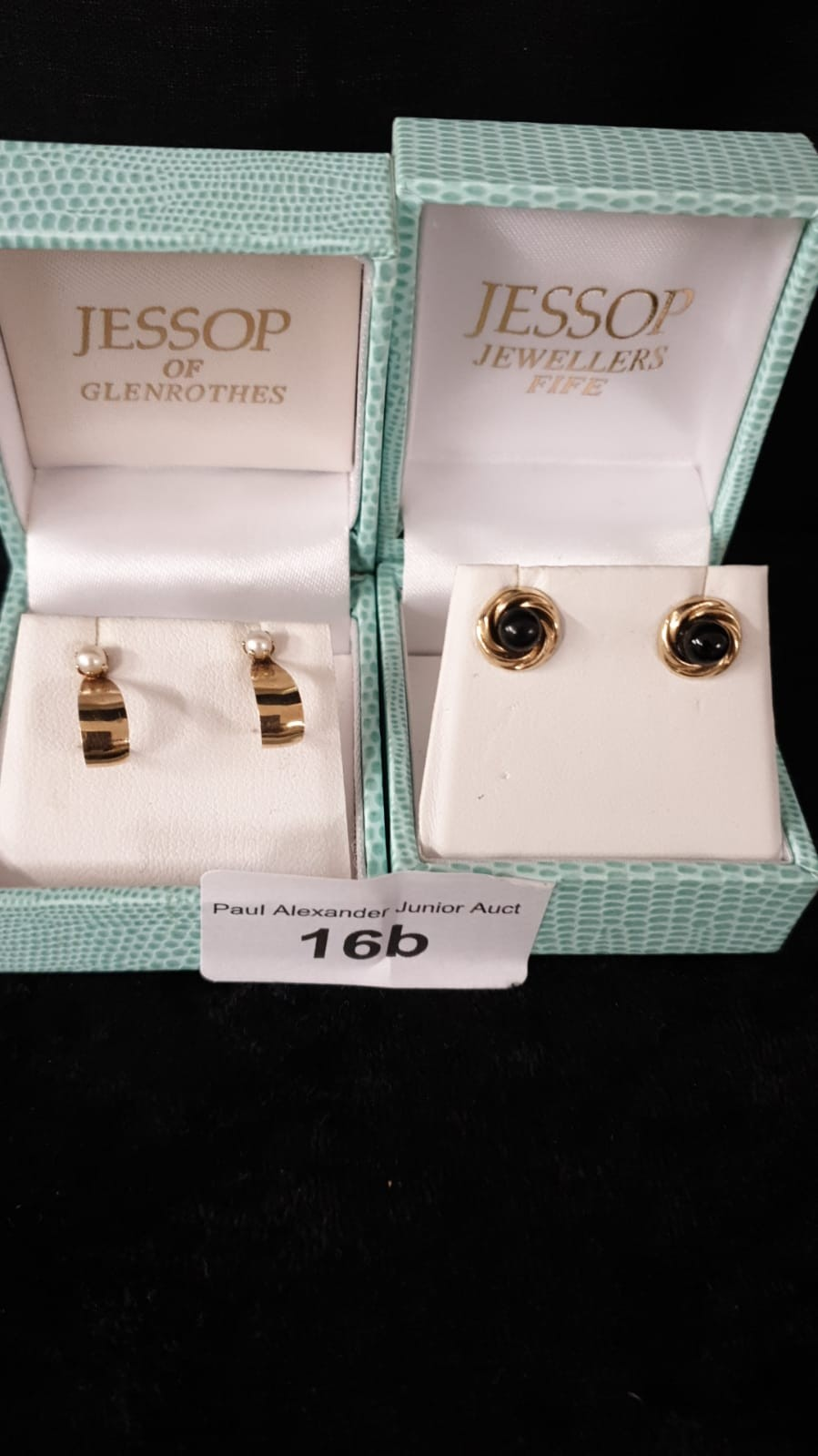 2 Pairs of 9ct gold earrings from jessops of glenrothes.