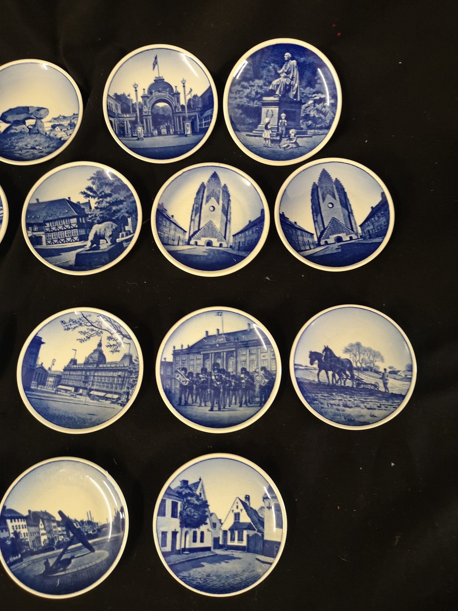 Collection of royal Copenhagen small mianiture plates. 1 af - Image 3 of 4