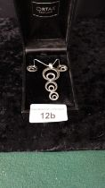 Ortak silver pendant earrings set with silver chain boxed.