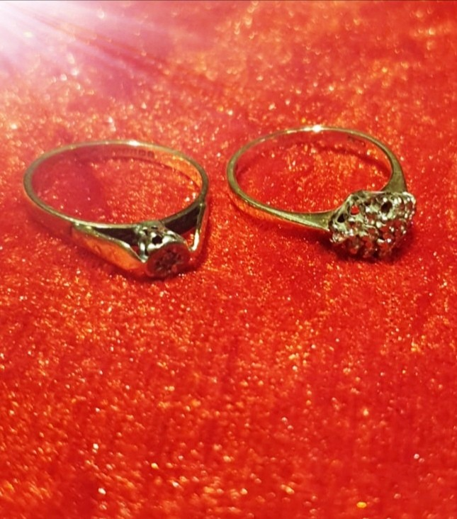 2 9ct gold diamond rings.
