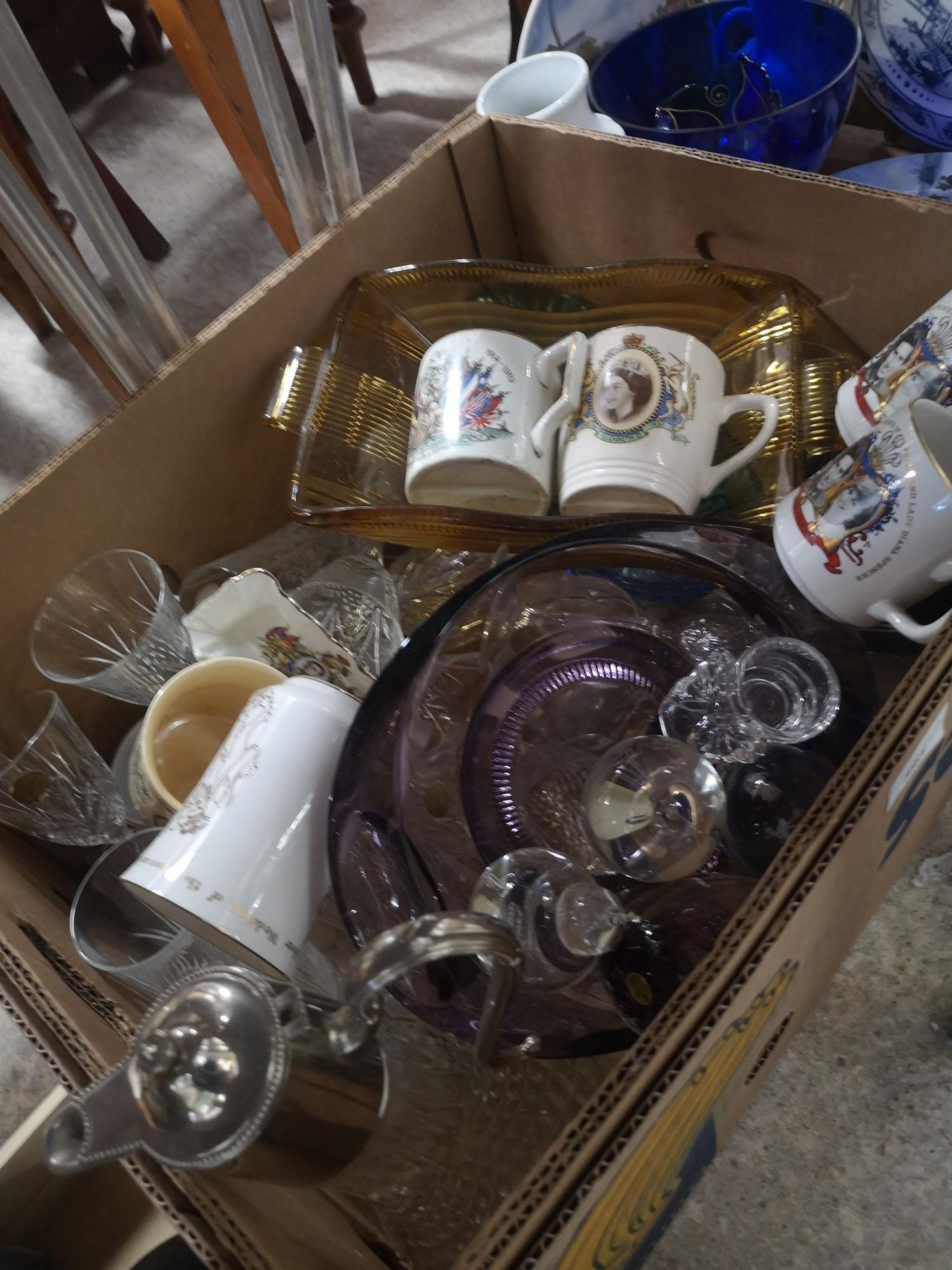 Box of art glass etc..