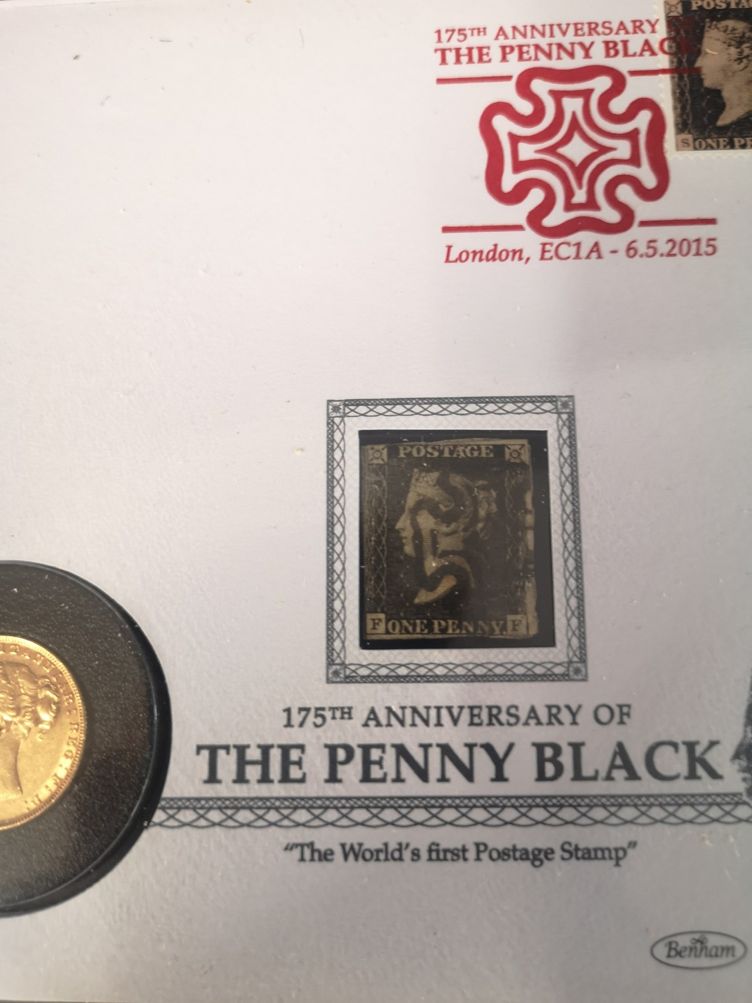 The 175th anniversary of the penny Black 22 - carat gold sovereign stamp presentation cover.. - Image 4 of 7