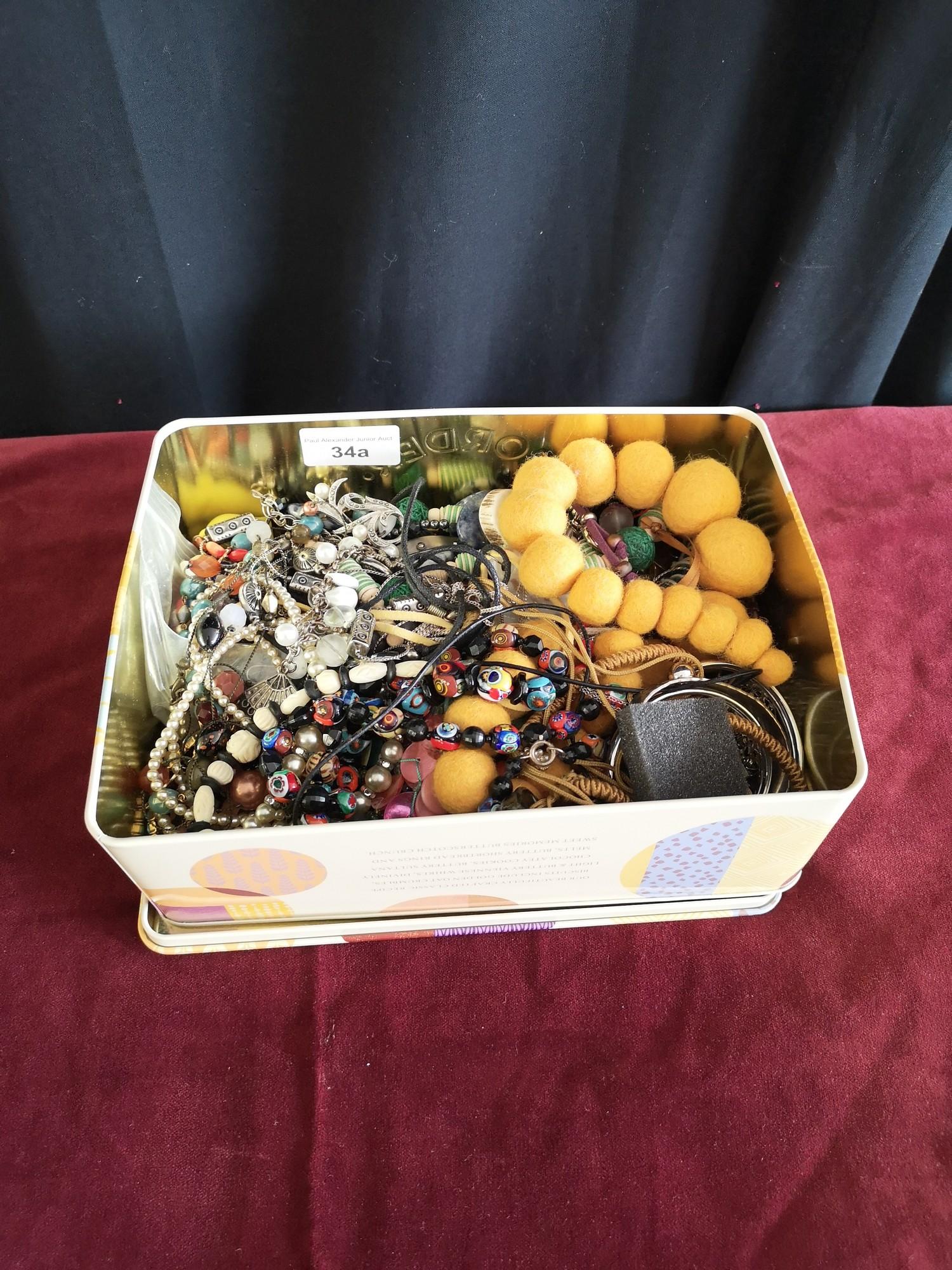 Box of costume jewellery. - Image 2 of 2
