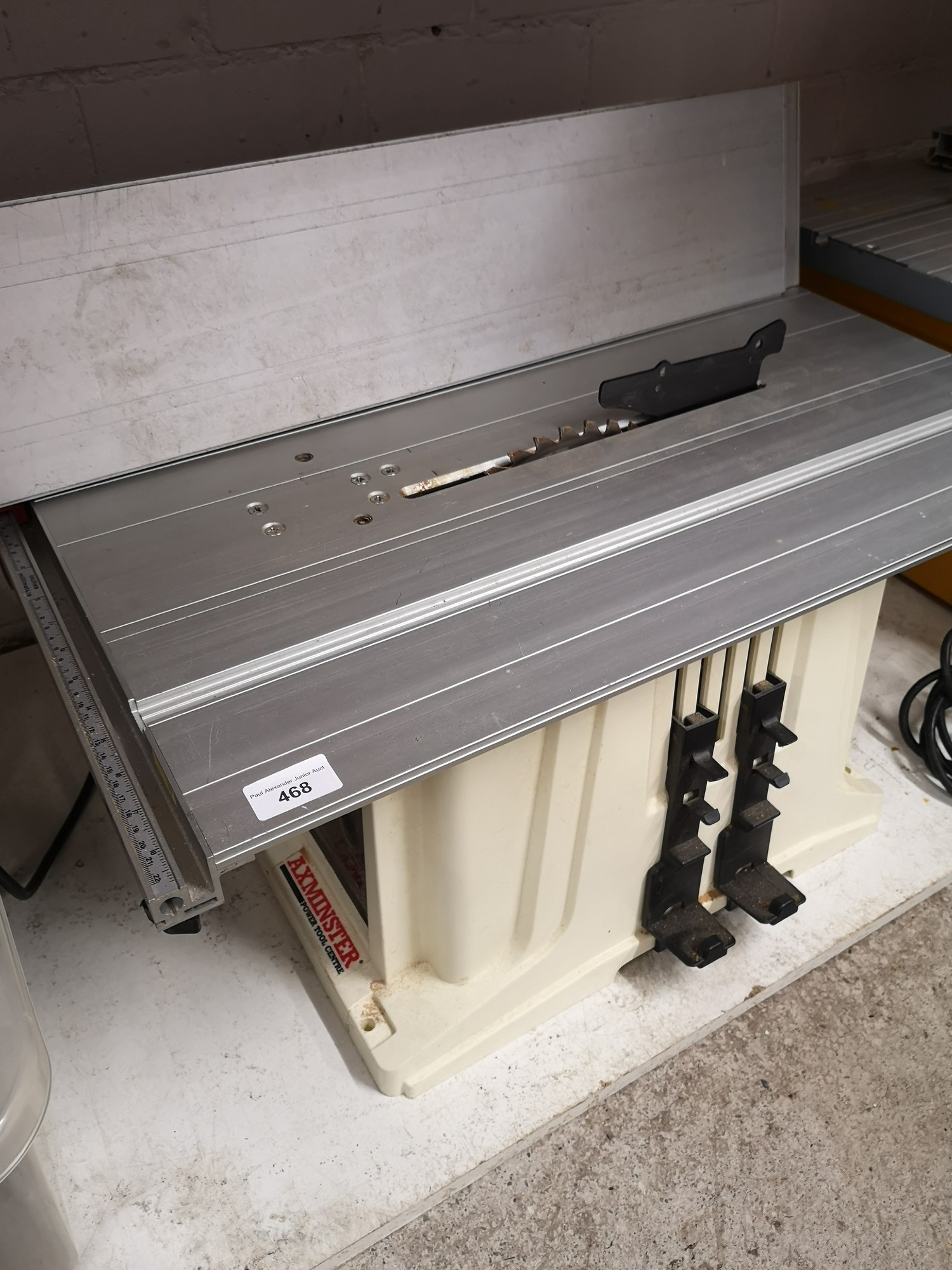 Axminster heavy duty table saw. Working order.
