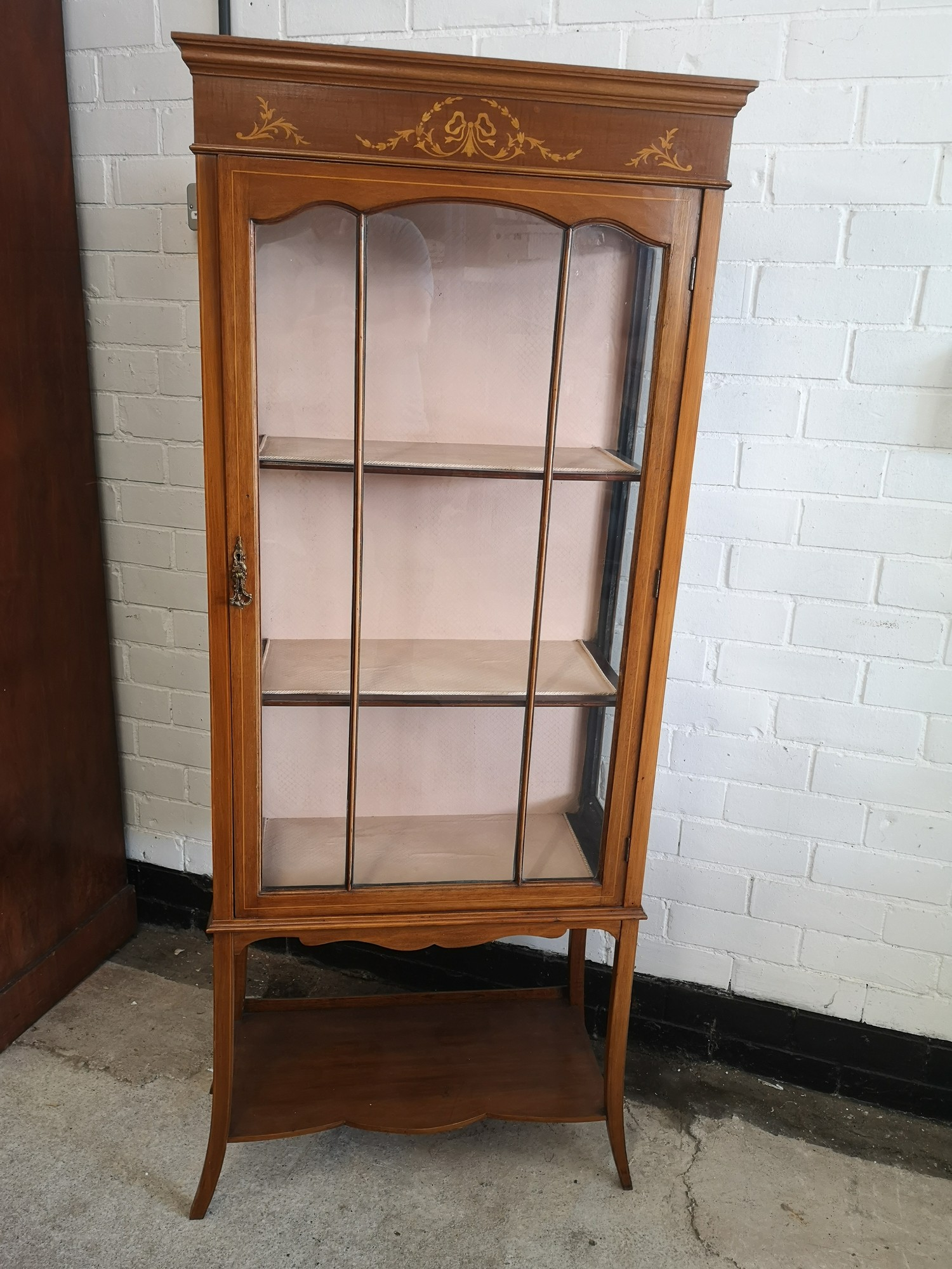 Beautiful Edwardian Inlaid 3 section display cabinet with inlays to top.