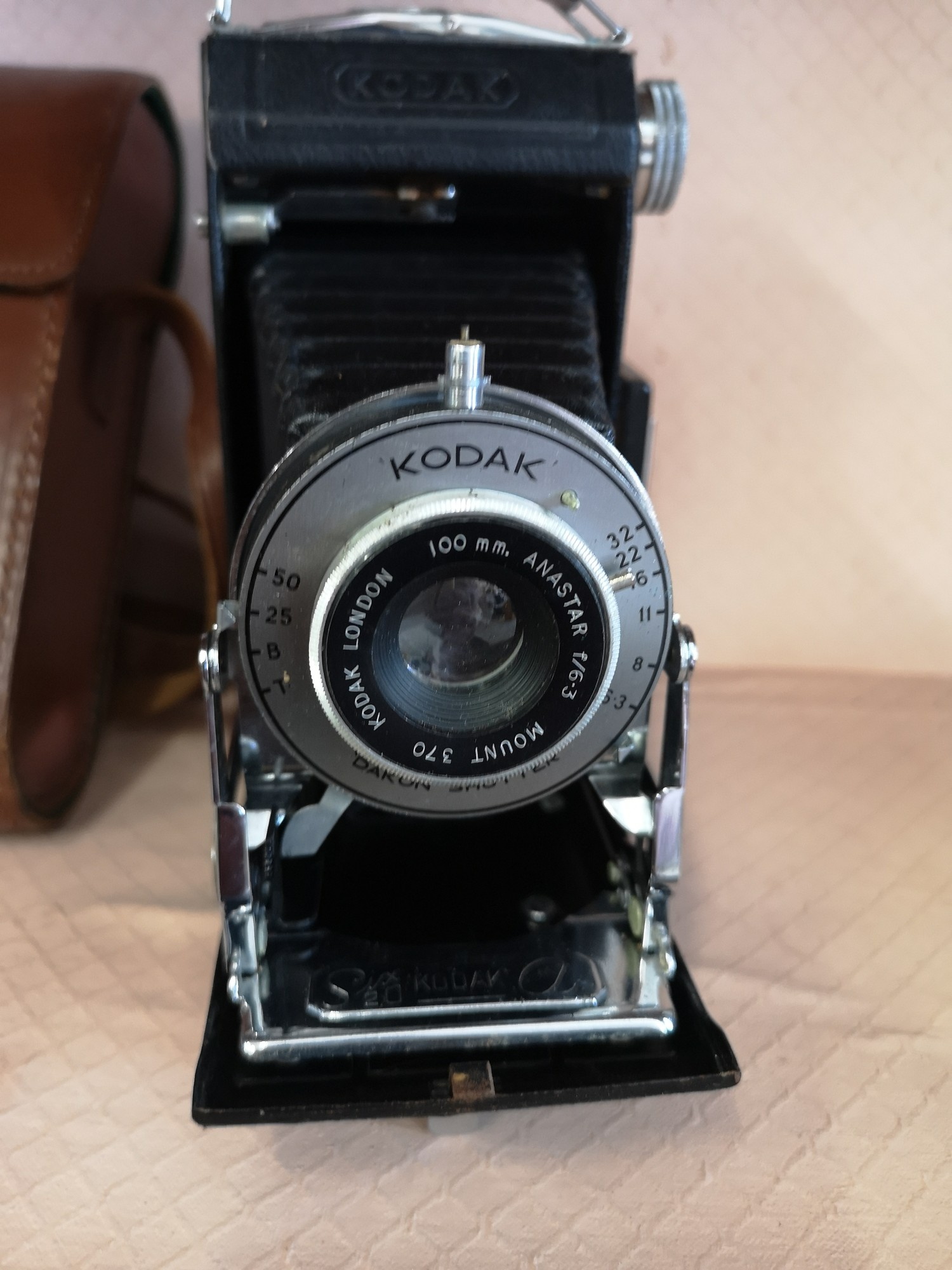 Kodak London bellows camera together with case. - Image 2 of 3