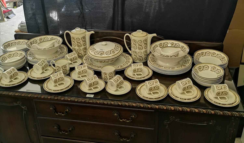 Large suzie Cooper retro venetia pattern tea & dinner service includes tureen tea pots etc.