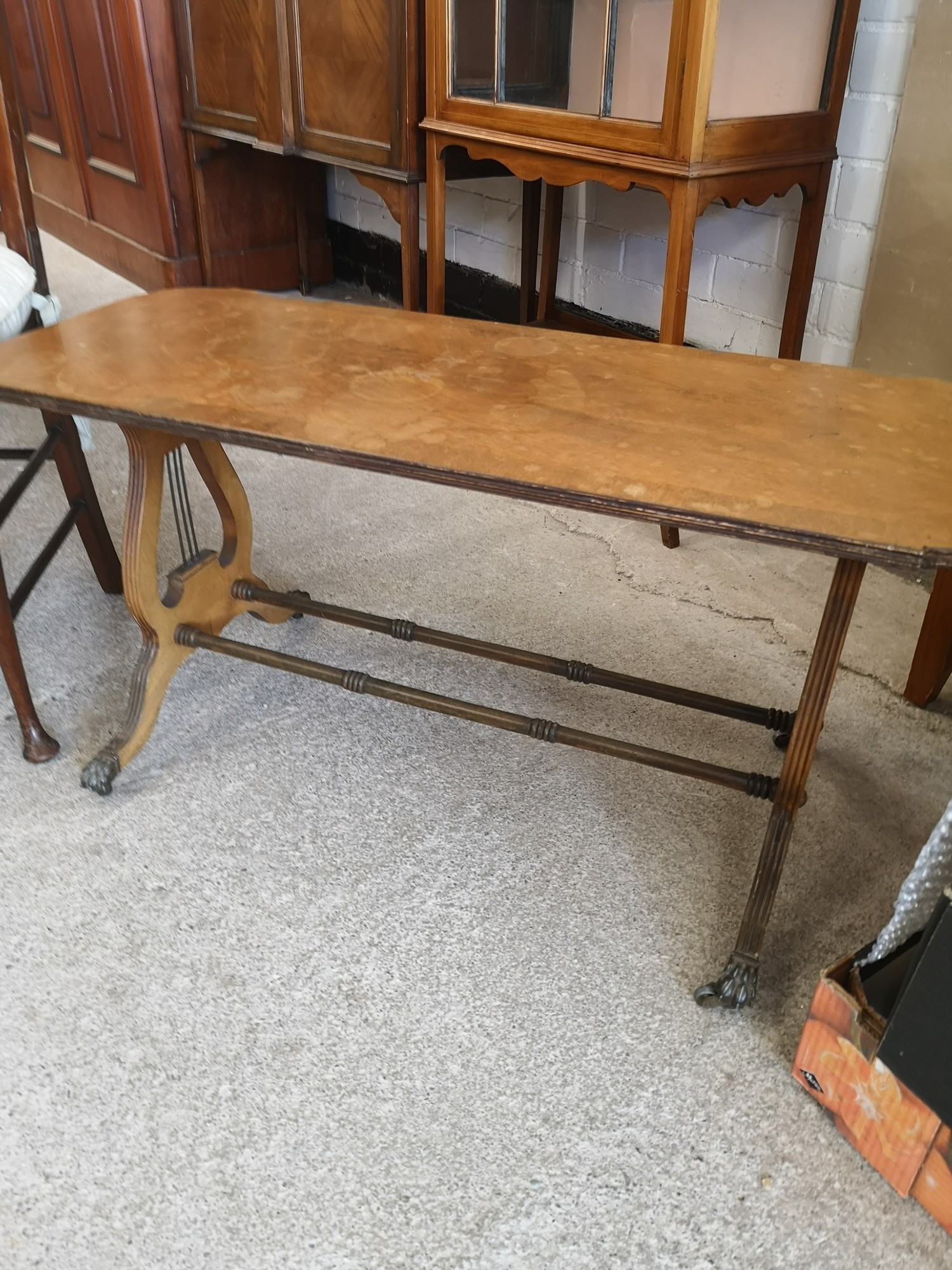 Vintage liar shaped end table with brass feet together with vintage chair. - Image 2 of 3