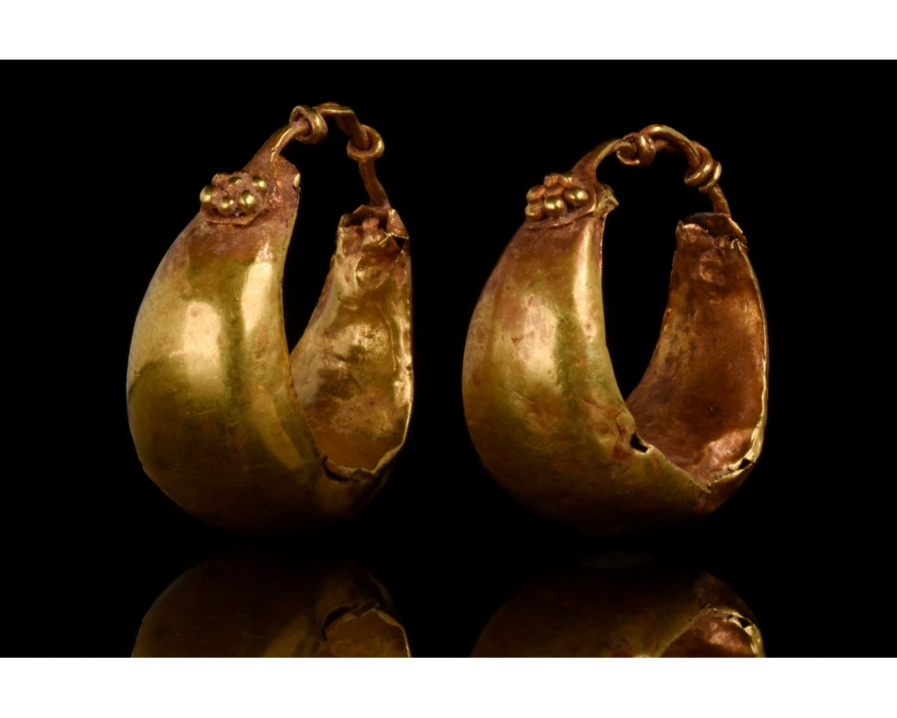 PAIR OF ROMAN GOLD BOAT SHAPED EARRINGS - FULL ANALYSIS - Image 2 of 11
