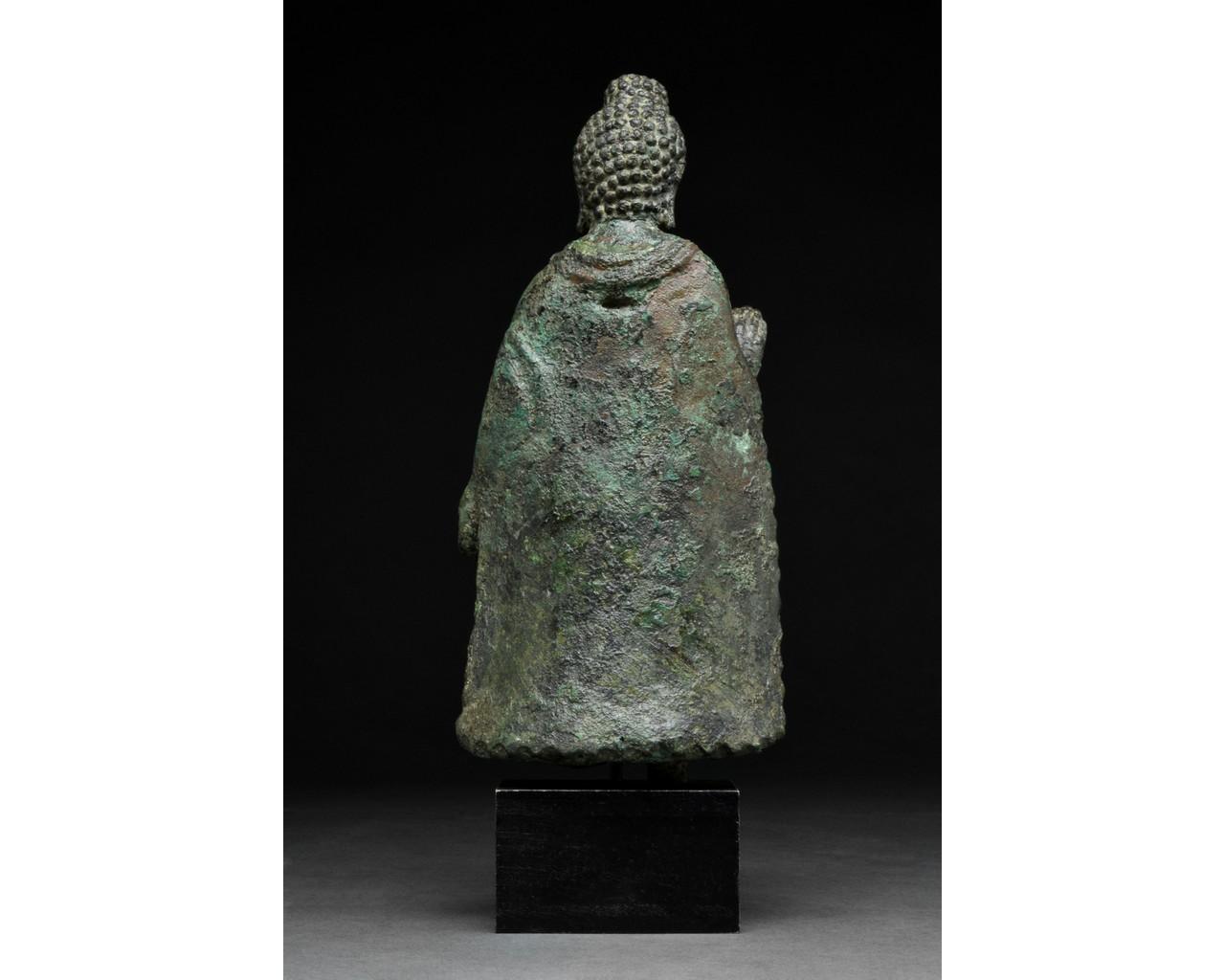 GANDHARA BRONZE FIGURE OF BUDDHA - Image 3 of 5