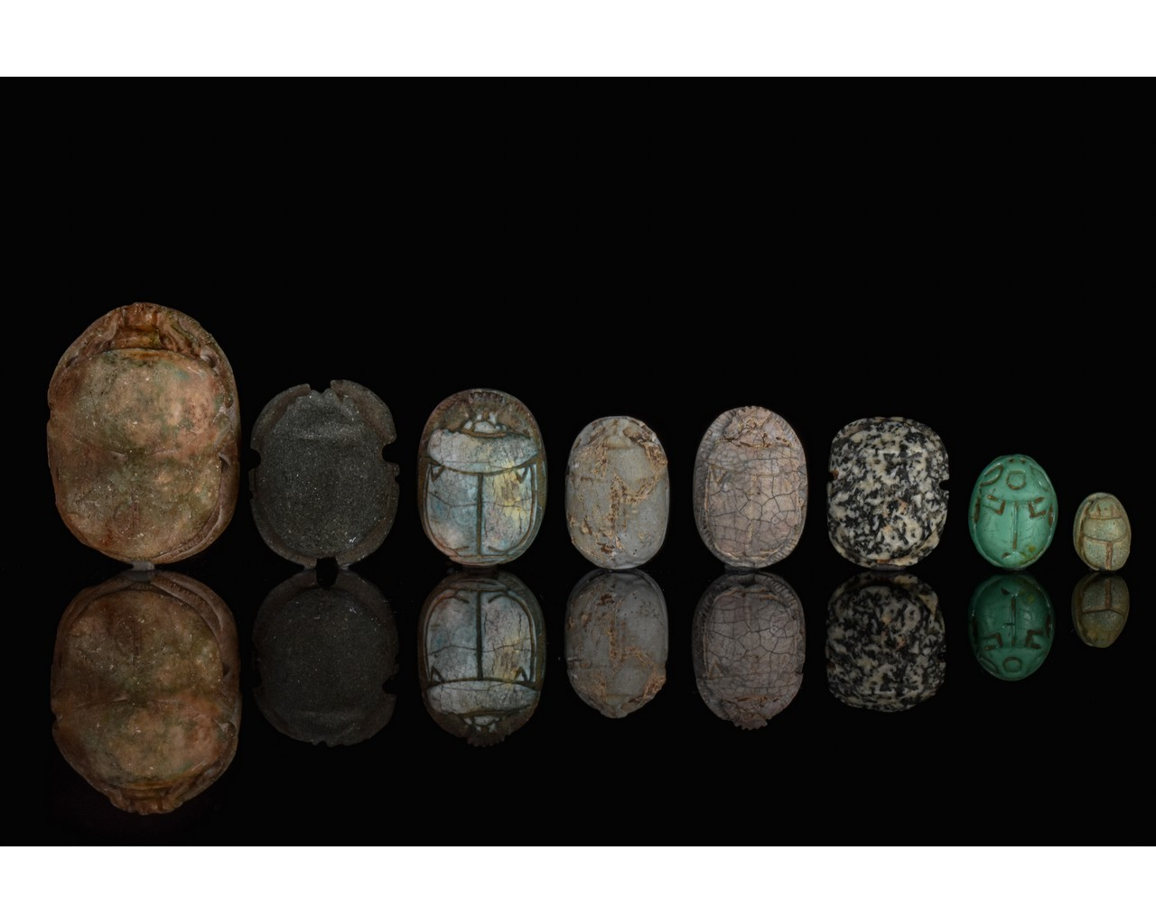 EGYPTIAN GROUP OF EIGHT SCARABS - Image 2 of 6