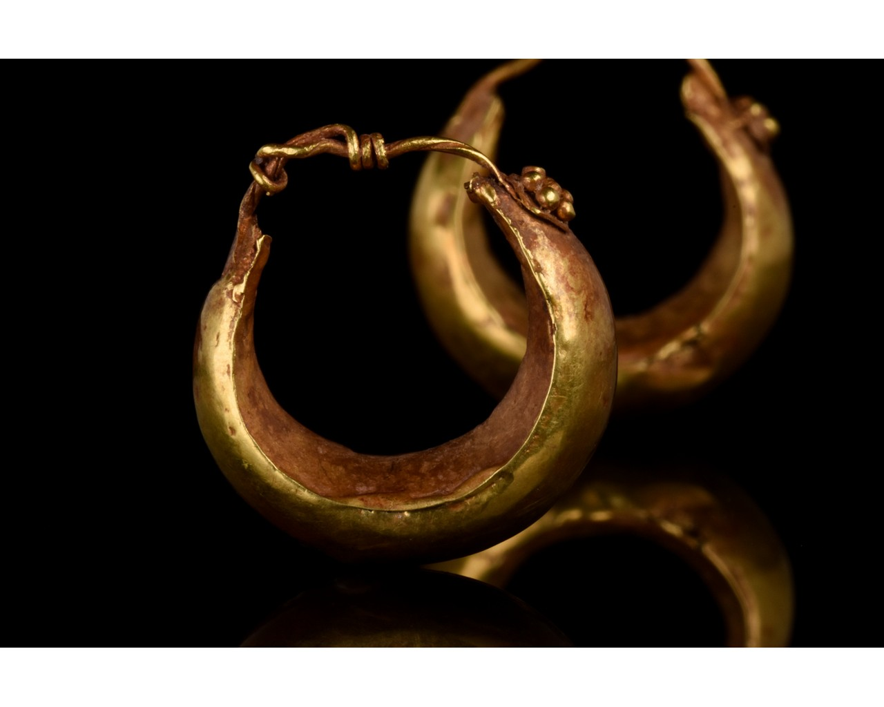 PAIR OF ROMAN GOLD BOAT SHAPED EARRINGS - FULL ANALYSIS - Image 9 of 11
