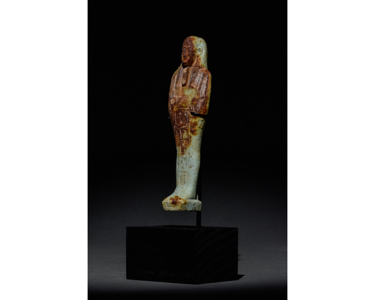 EGYPTIAN FAIENCE SHABTI WITH REDDISH-BROWN AREAS - TRANSLATED - Image 2 of 5