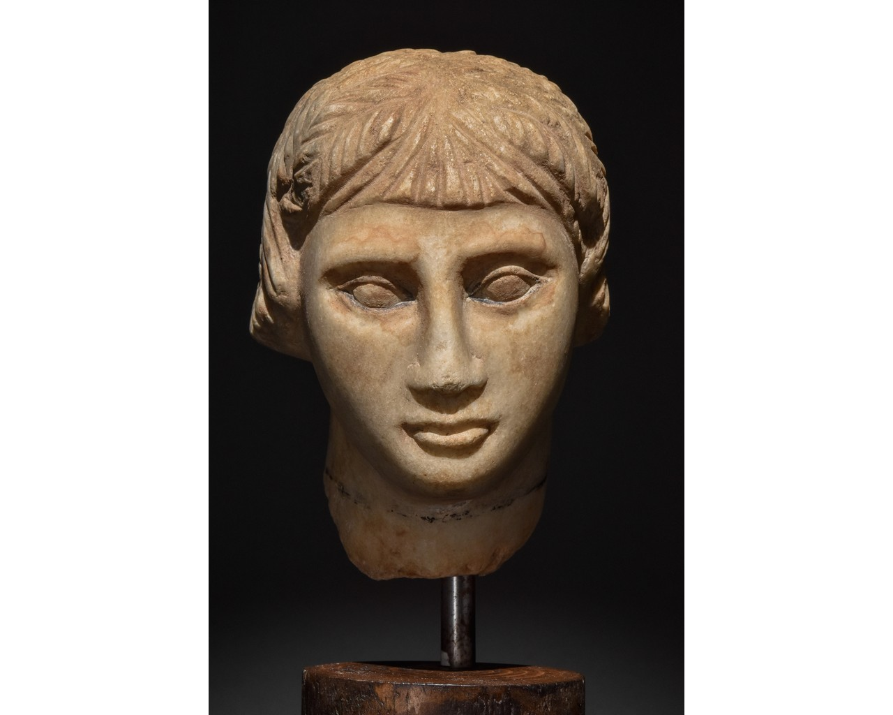 EGYPTIAN MARBLE HEAD OF A WOMAN - Image 5 of 10