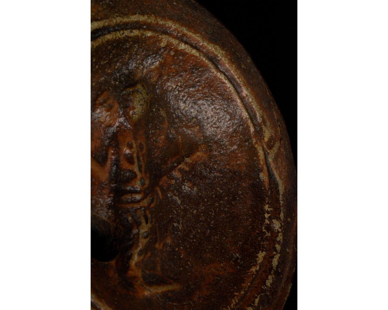 ROMAN TERRACOTTA OIL LAMP WITH CERES AND MAKERS MARK - Image 6 of 6