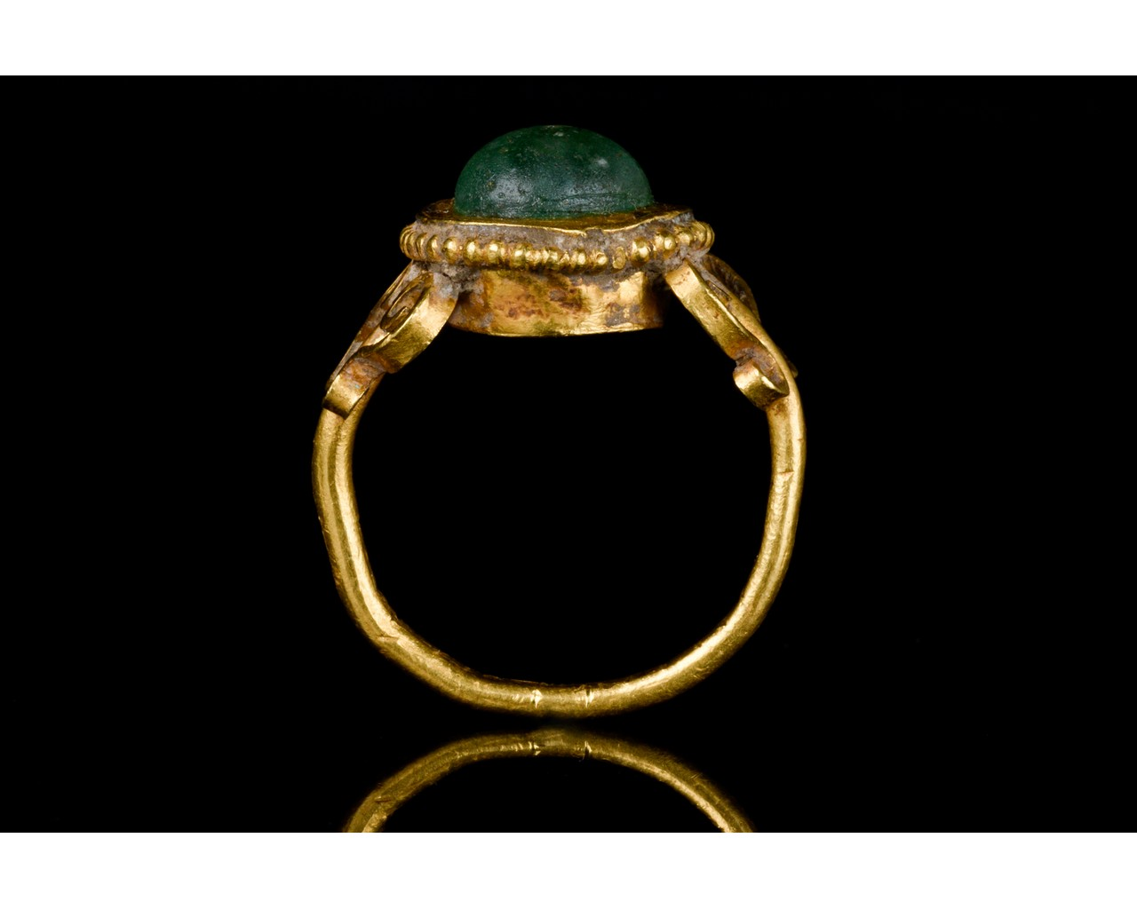 LATE ROMAN GOLD AND GLASS RING - EX CHRISTIE'S - FULL ANALYSIS - Image 5 of 8