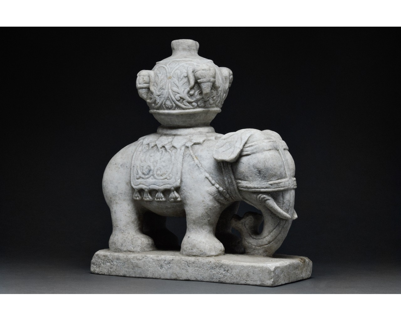 CHINESE MING DYNASTY MARBLE ELEPHANT