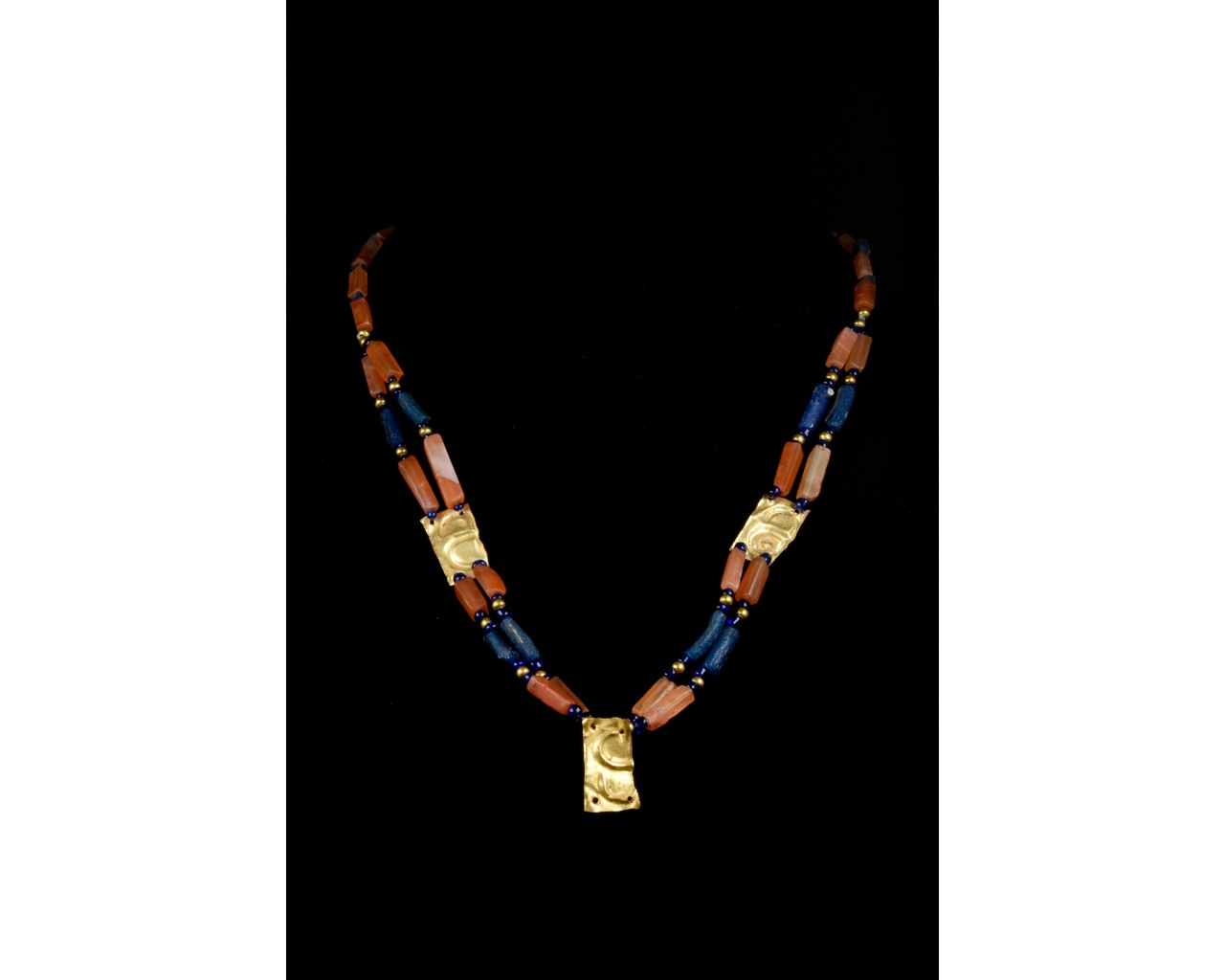 ROMAN GLASS, CARNELIAN AND GOLD NECKLACE