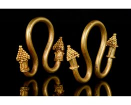 PAIR OF EARLY ROMAN GOLD EARRINGS