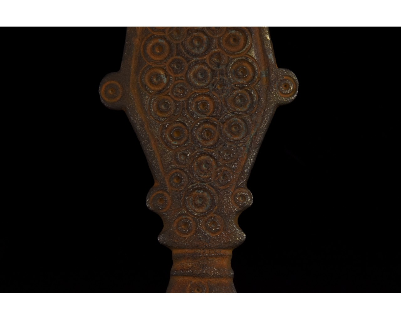 PAIR OF VISIGOTHIC RADIATE HEADED BOW BROOCHES - Image 7 of 8