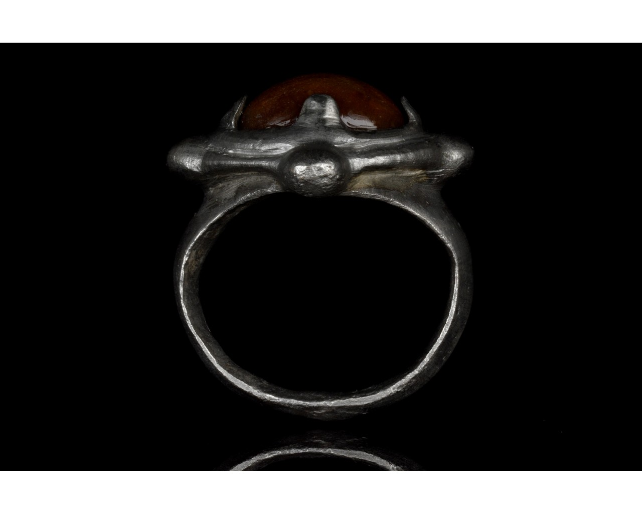 MEDIEVAL SILVER RING WITH STONE IN BEZEL - Image 5 of 5