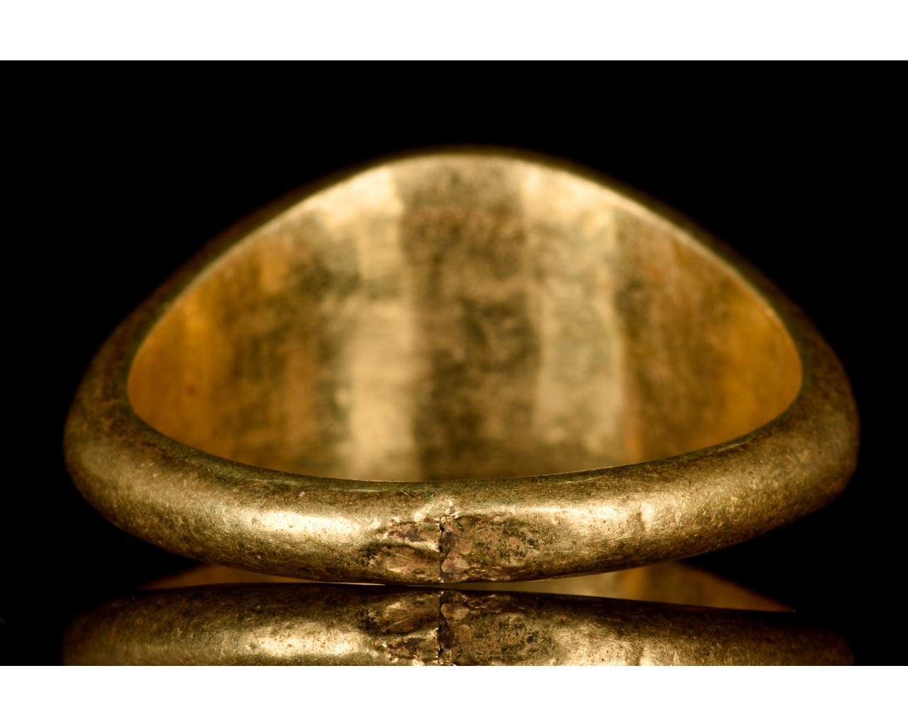 ROMAN GOLD INTAGLIO RING WITH RIVER GOD - Image 4 of 6