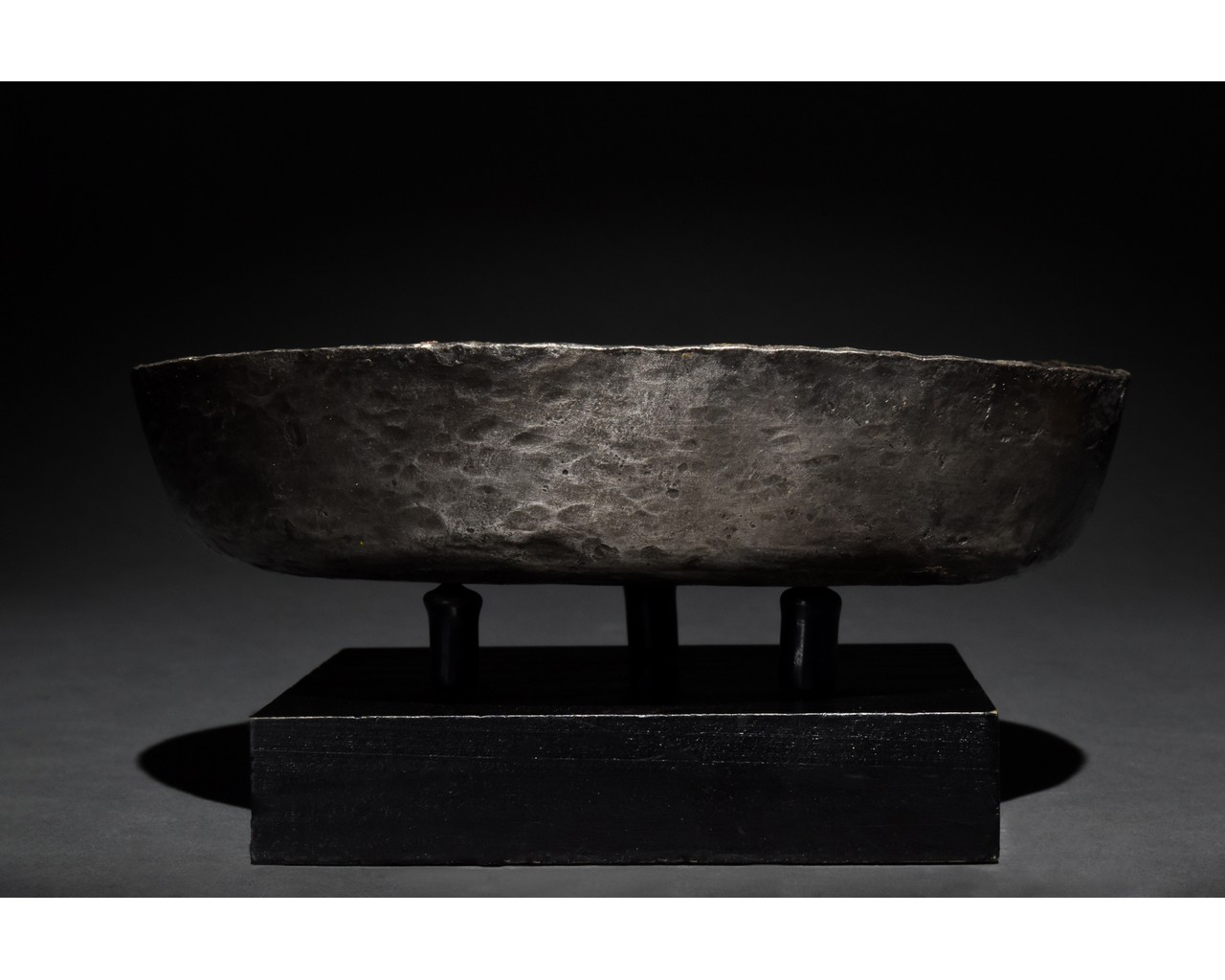 ROMAN SILVER VESSEL WITH DECORATION - Image 3 of 9