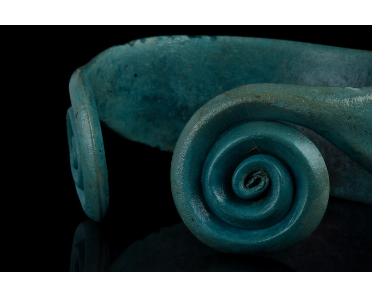 BRONZE AGE COILED BRACELET - Image 7 of 7