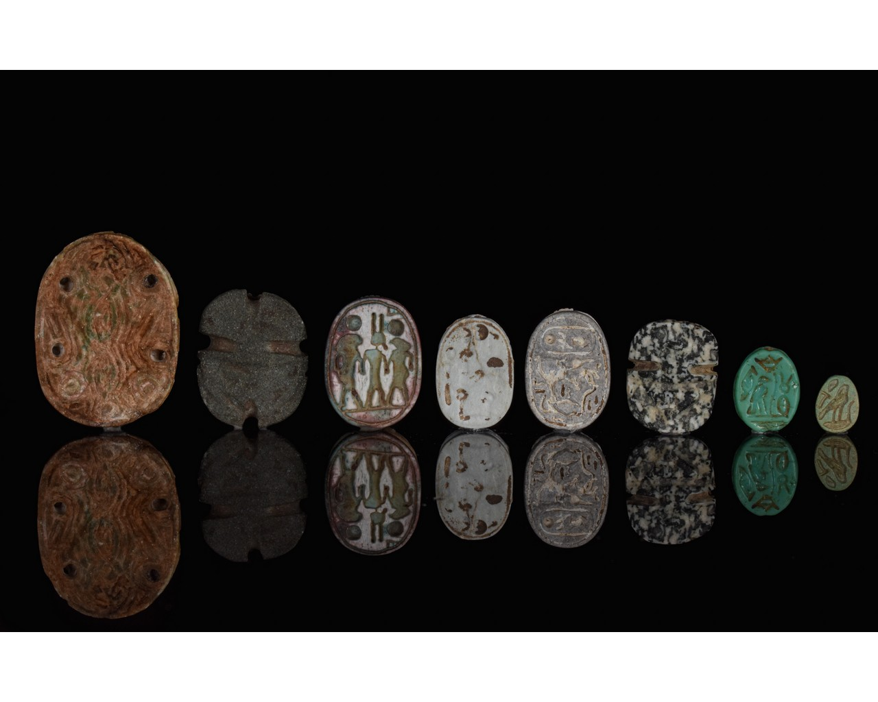 EGYPTIAN GROUP OF EIGHT SCARABS - Image 3 of 6