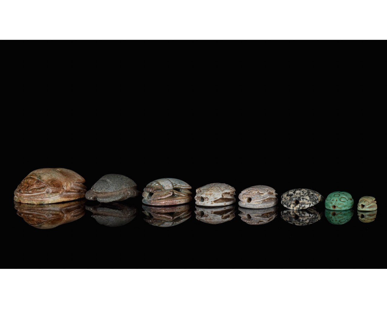 EGYPTIAN GROUP OF EIGHT SCARABS - Image 5 of 6