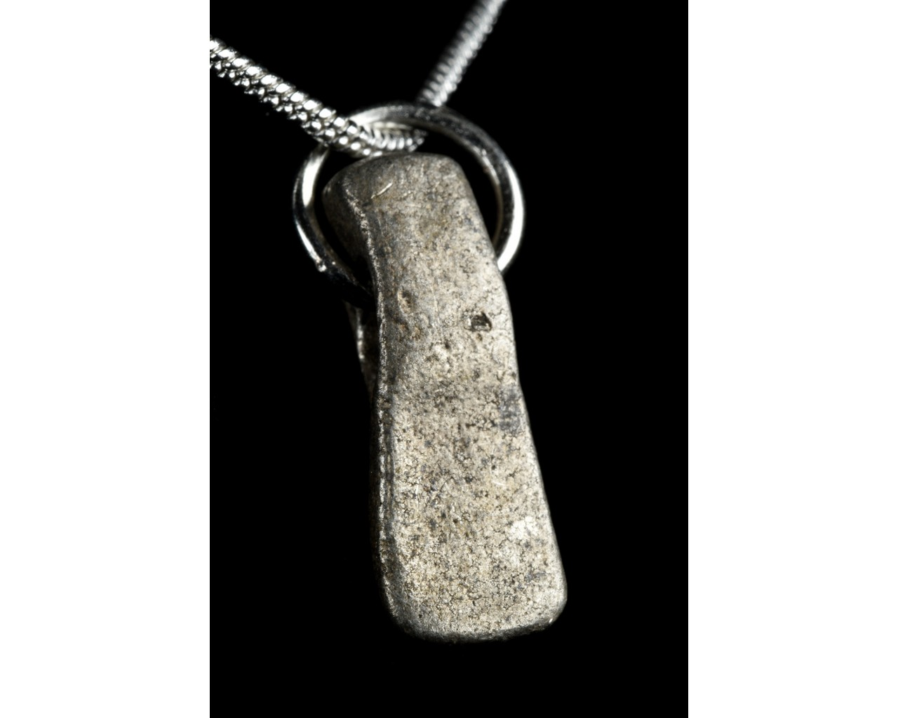 MEDIEVAL SILVER AXE-SHAPED PENDANT - Image 5 of 6