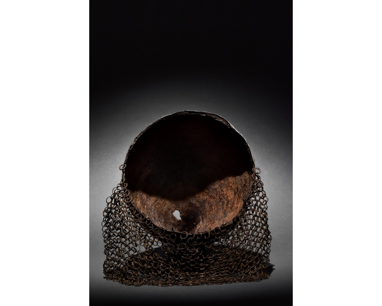 RARE MEDIEVAL HELMET WITH ORIGINAL CHAINMAIL - Image 5 of 6
