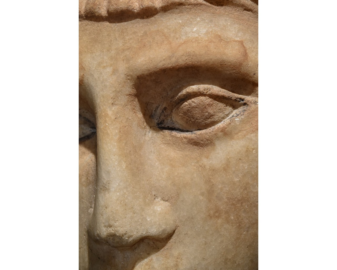 EGYPTIAN MARBLE HEAD OF A WOMAN - Image 8 of 10