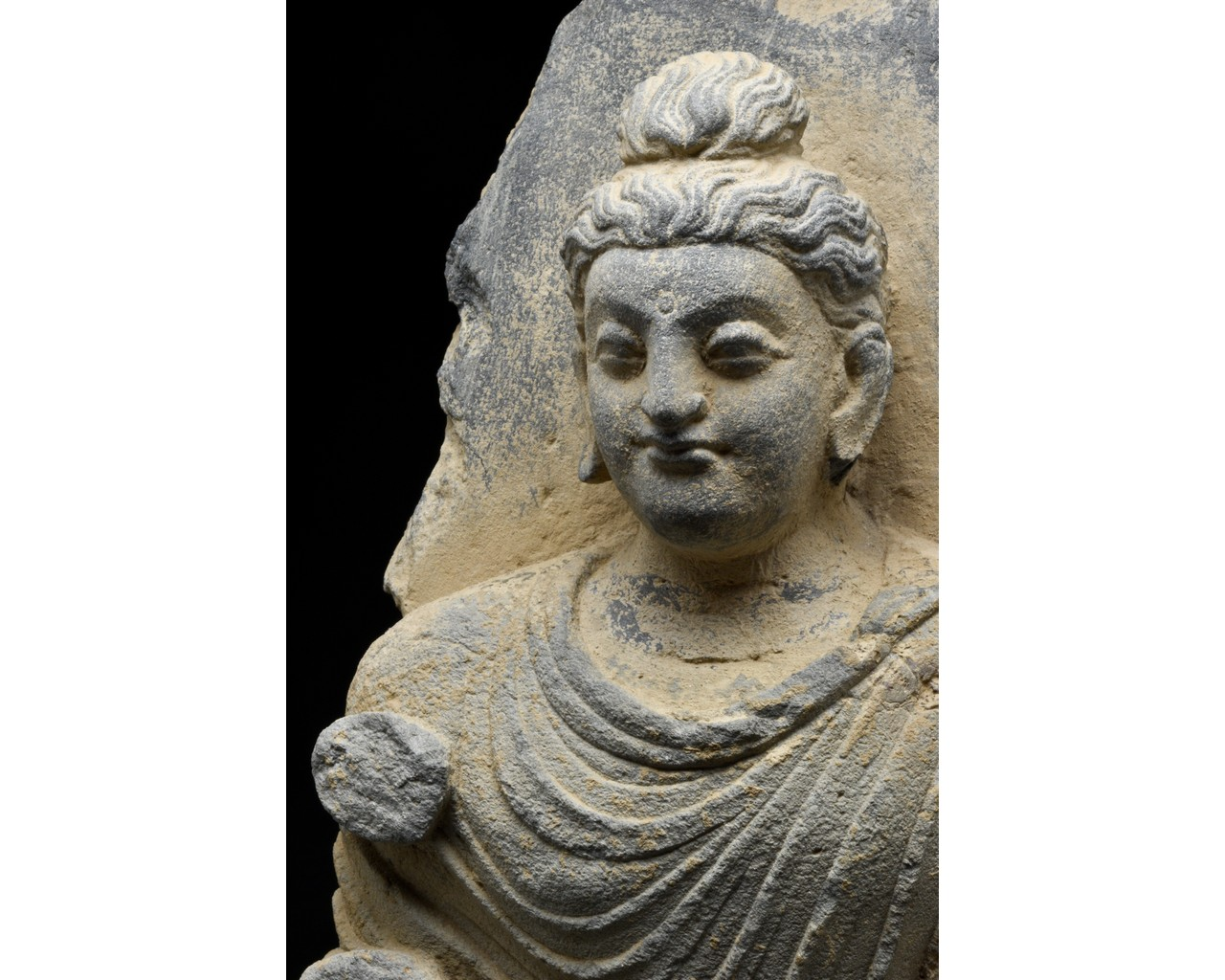 GANDHARA SCHIST TORSO OF BUDDHA - Image 5 of 5