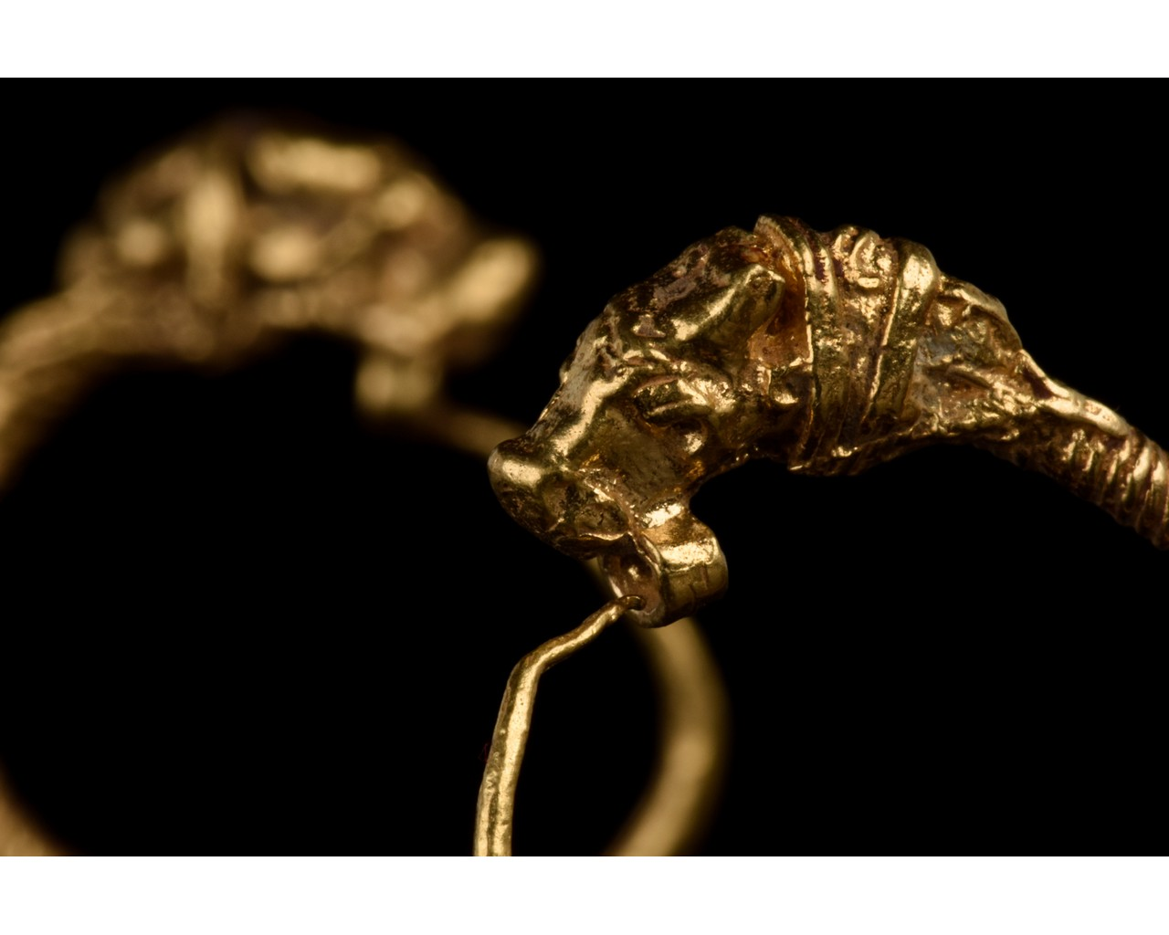 GREEK HELLENISTIC GOLD EARRINGS WITH LIONS - FULL ANALYSIS - Image 4 of 8