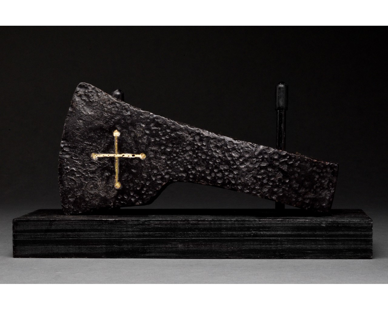MEDIEVAL BATTLE IRON AXE HEAD WITH INLAID GOLD CROSS