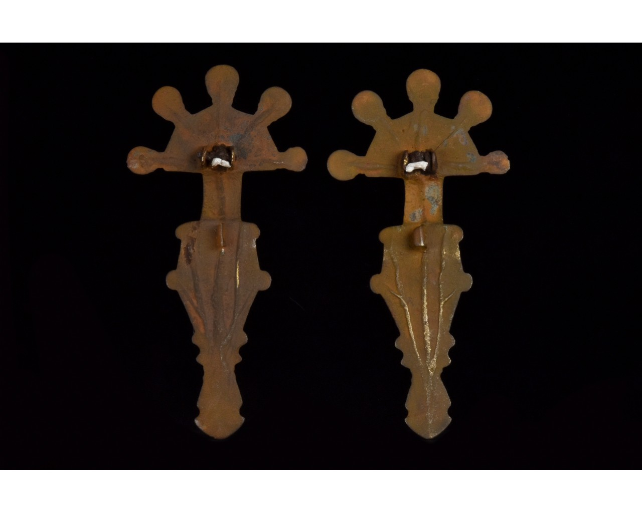 PAIR OF VISIGOTHIC RADIATE HEADED BOW BROOCHES - Image 2 of 8
