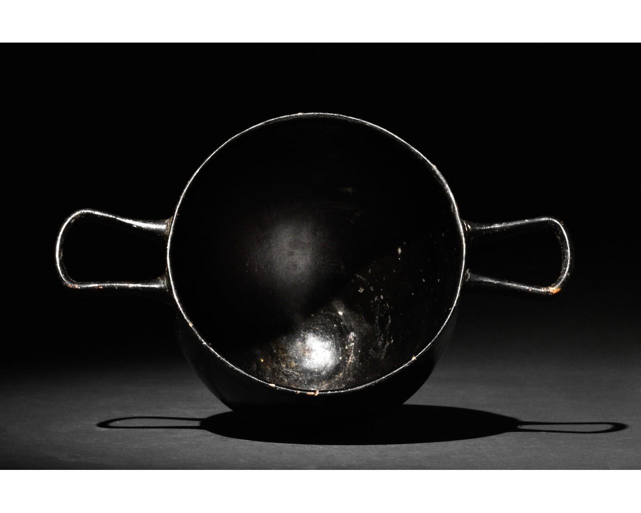 GREEK APULIAN BLACK-GLAZED POTTERY SKYPHOS - Image 4 of 6