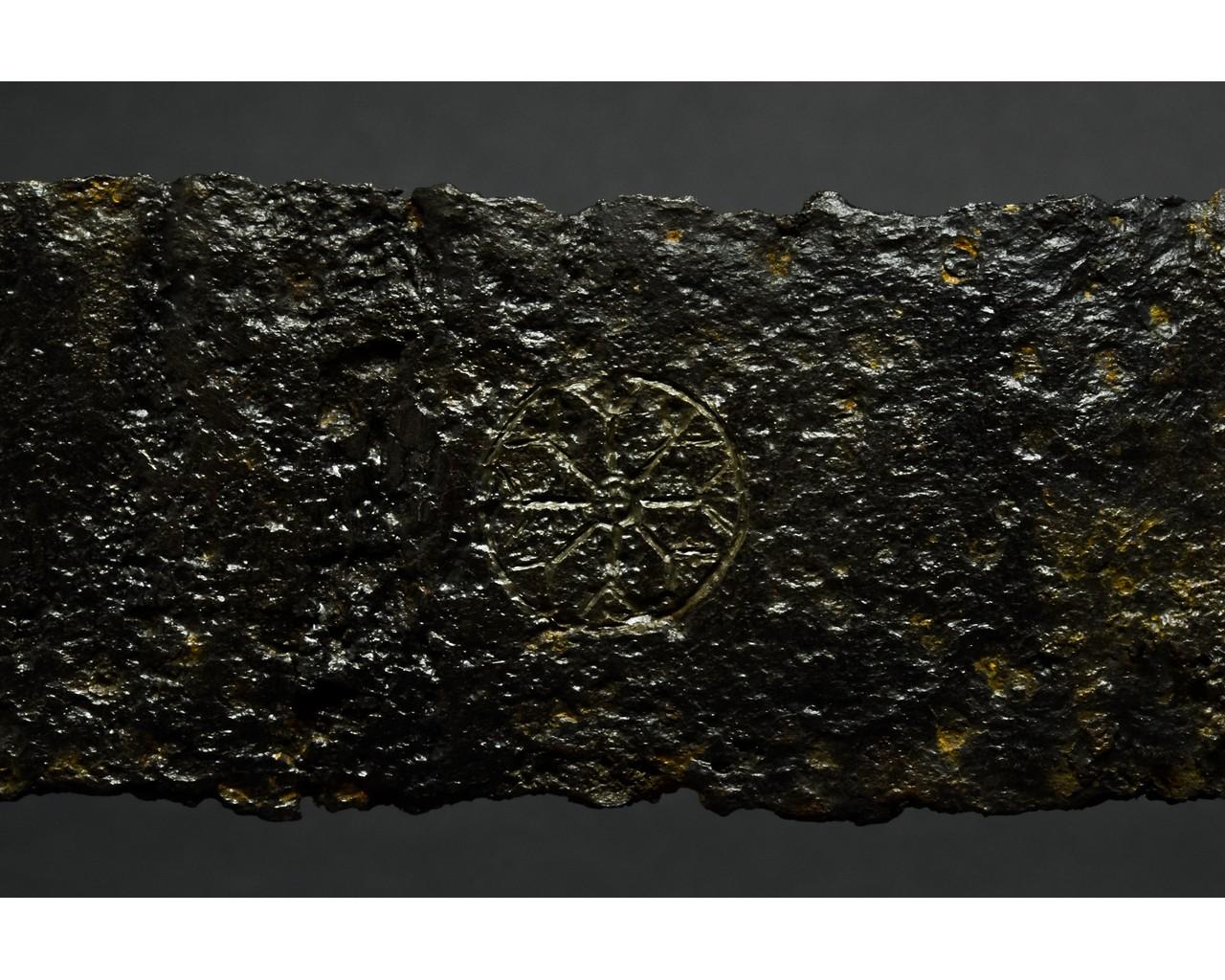 LATE ROMAN IRON SPATHA SWORD - Image 4 of 7