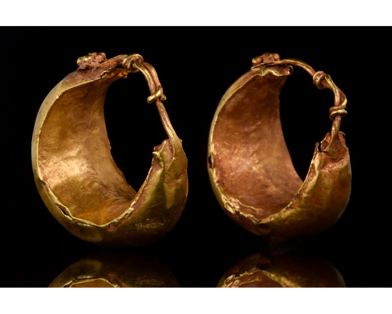 PAIR OF ROMAN GOLD BOAT SHAPED EARRINGS - FULL ANALYSIS - Image 3 of 11