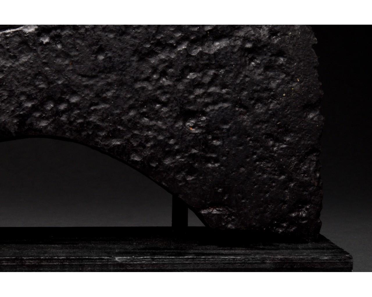 VIKING IRON BATTLE AXE HEAD - Image 5 of 8