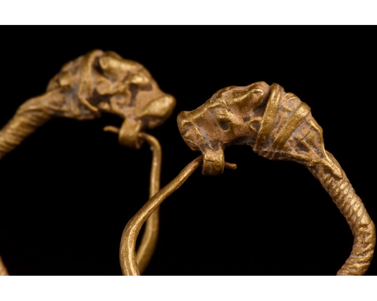 HELLENISTIC GOLD EARRINGS WITH LIONS - XRF TESTED - Image 4 of 8