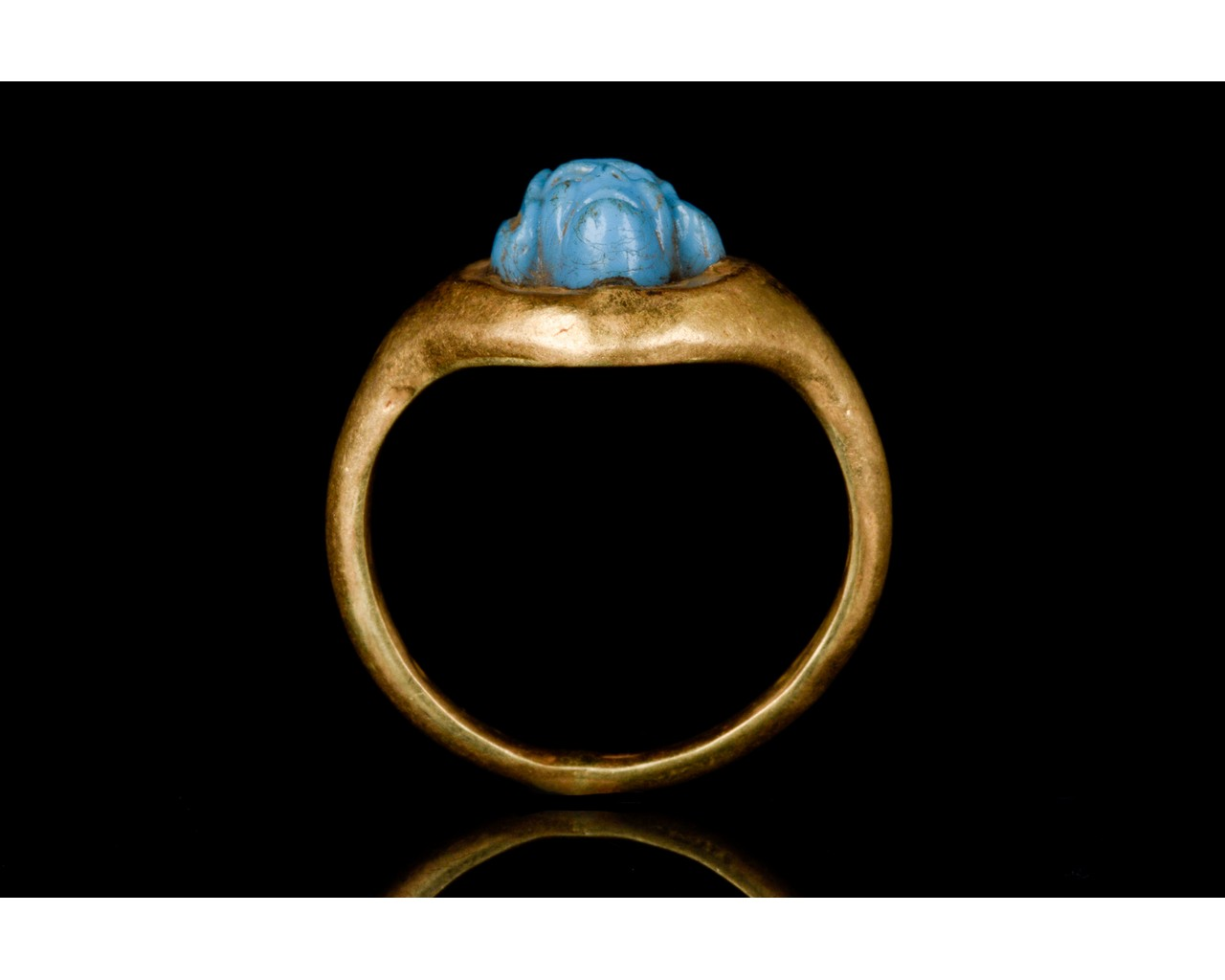 PHOENICIAN FAIENCE GODDESS HEAD IN A GOLD RING - Image 5 of 6