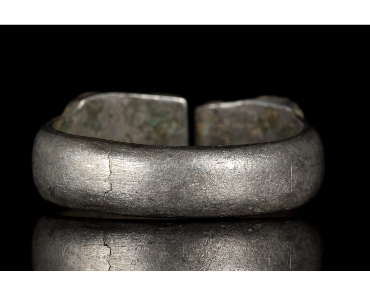 ROMAN SILVER RING WITH SNAKE HEADS - Image 4 of 5