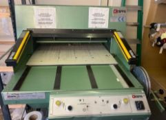 KCAPPA Textiles Cutting Machine, Model 81S, Serial Number: 81240 (Located Harlow – See General Notes