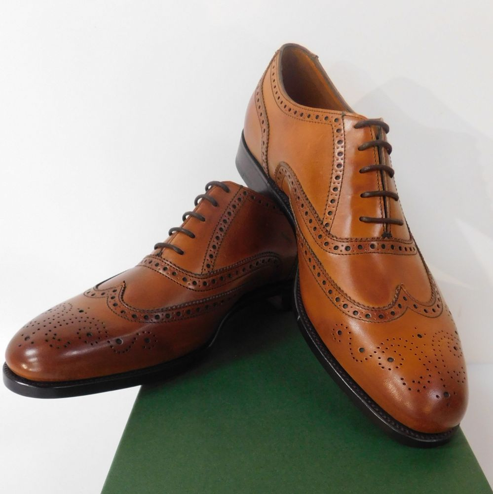 400 PAIRS ALFRED SARGENT TRADITIONAL MENS' HIGH QUALITY SHOES & BOOTS (EX-SHOWROOM & SLIGHT 2nds) & 30,500 sq. ft. OF LEATHER HIDES