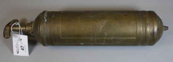 Vintage brass garden hand held pump sprayer. (B.P. 21% + VAT)