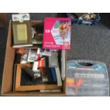 Box of Hornby and other accessories/rolling stock to include; wagons, metal disk wheel sets, Wills