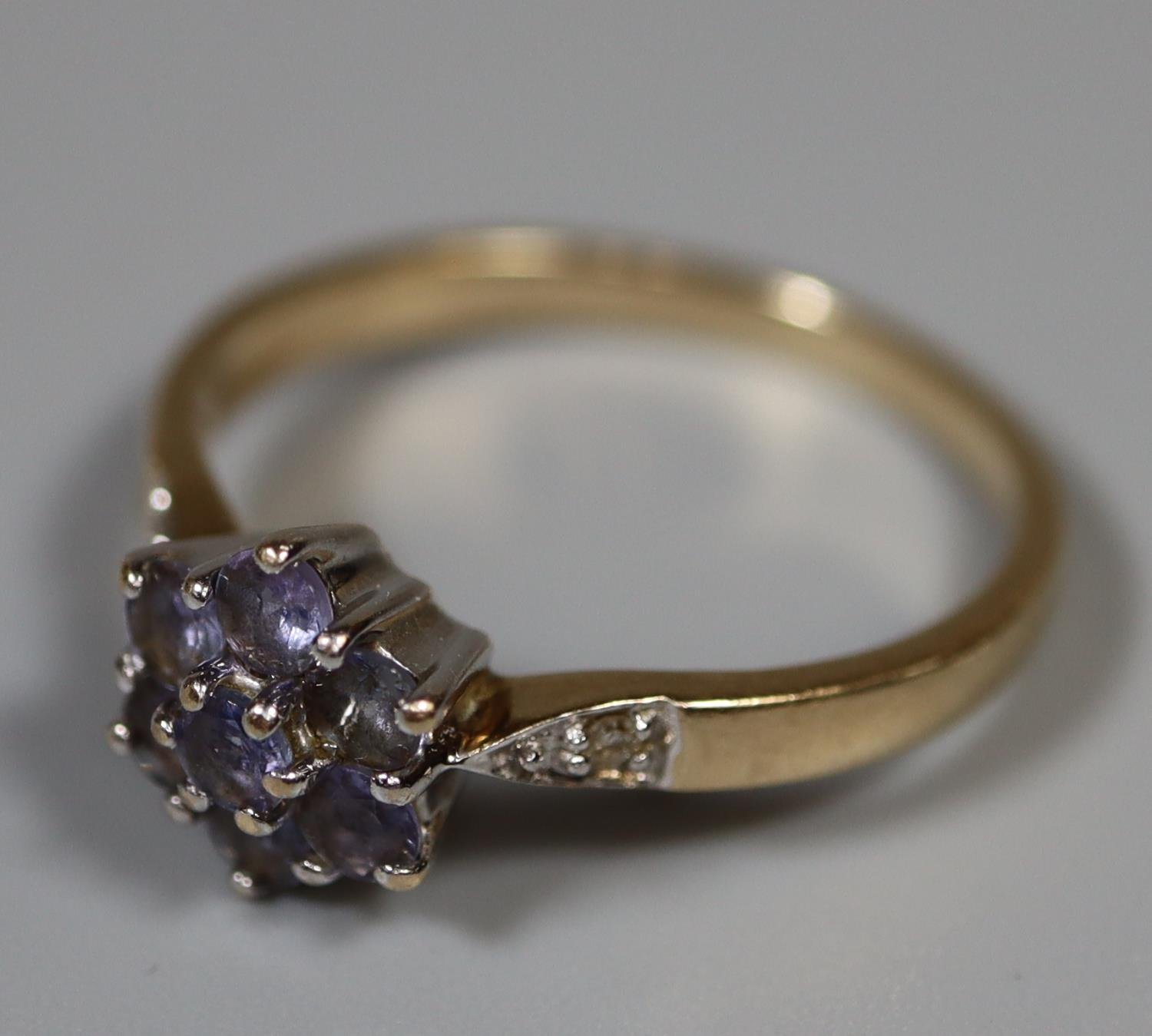 9ct gold cluster ring of pale blue stones with diamond shoulders. Ring size O. Approx weight 2.5 - Image 3 of 3