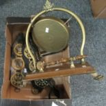 Box of metalware to include; table gong with striker, horse brasses and stirrup etc. (B.P. 21% +